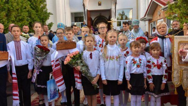 Митрополит Іриней взяв участь в освяченні храму та православної школи у м. Вінниці