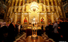 Заупокіна літія за новоспочилим митрополитом Іринеєм у Києво-Печерській Лаврі