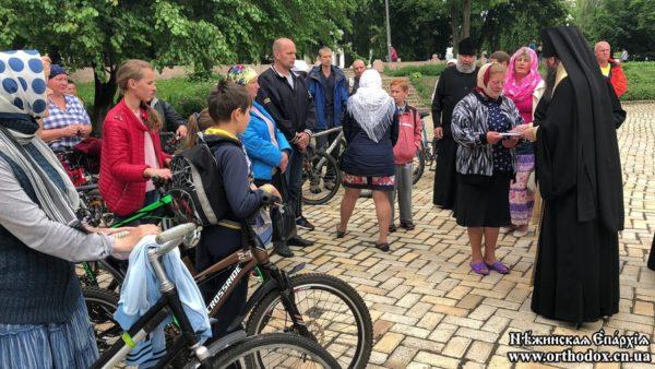 Архієпископ Климент надав допомогу для лікування важко хворих дітей
