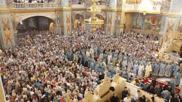 Архієпископ Климент вклонився Почаївській іконі Пресвятої Богородиці