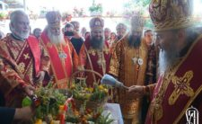 Архієпископ Климент співслужив Предстоятелю УПЦ в Аннинському жіночому монастирі на Буковині