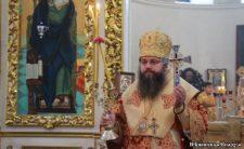 Архієпископ Климент звершив Божественну літургію в Миколаївському соборі м. Ніжина