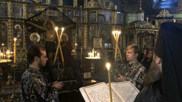 Високопреосвященніший Архієпископ Климент звершив читання четвертої частини Великого покаянного канону