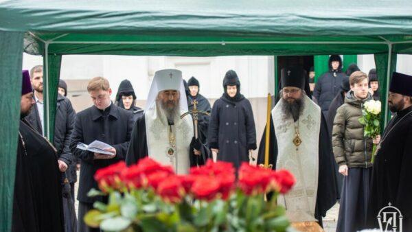 Архієпископ Климент помолився за упокій душі колишньої настоятельки Флорівського монастиря