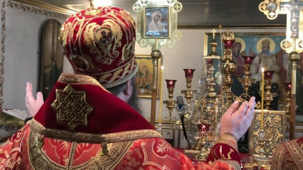 Архієпископ Климент звершив Божественну літургію в кафедральному соборі м. Сєверодонецька