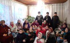 Клірики Носівського благочиння відвідали літніх та хворих людей