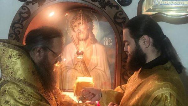 У День пам'яті жертв голодоморів Митрополит Климент звершив нічну Божественну літургію в Миколаївському кафедральному соборі м. Ніжина