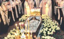 Митрополит Климент очолив чин заупокійного парастасу за новоспочилим архімандритом Миколаєм