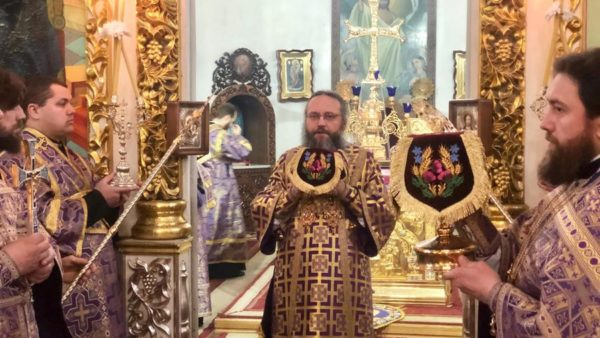 У Неділю п'яту Великого посту Високопреосвященніший Митрополит Климент звершив Божественну літургію в Миколаївському кафедральному соборі м. Ніжина