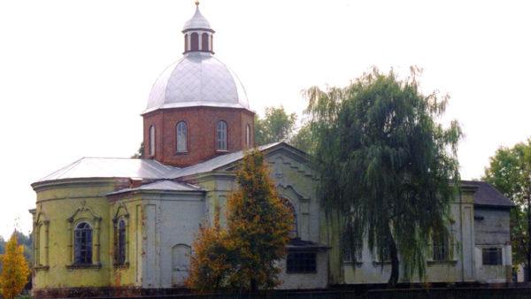 Жителі Припутнів звернулися до поліції щодо зриву недільного богослужіння невідомими в селі особами