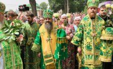 У день Святого Духа Високопреосвященніший Митрополит Климент звершив Божественну літургію у Свято-Троїцькому Густинському жіночому монастирі