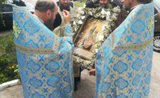У Бобровиці урочисто зустріли чудотворний образ Пресвятої Богородиці