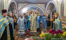 Всенічне бдіння в Густинському монастирі (відео)