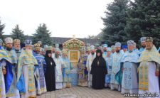Високопреосвященніший Митрополит Климент вшанував Зимненський образ Божої Матері